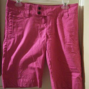new The North Face pink Bermuda Shorts size  4